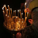 Можно ли зажигать церковные свечи дома?